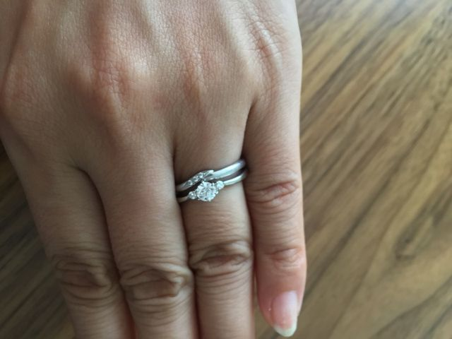 婚約指輪といっしょに