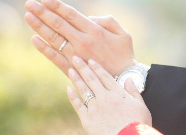 結婚指輪(トルサード)との組み合わせです