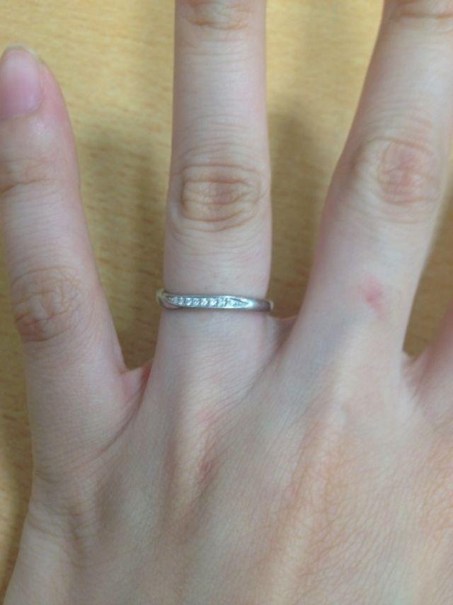 俄のせせらぎという結婚指輪です