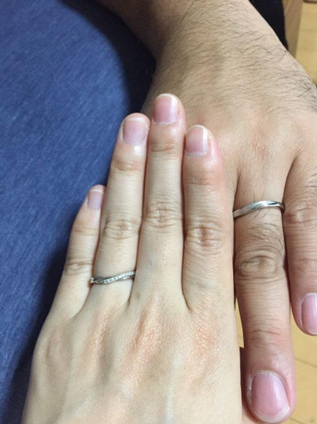 指に馴染んでとても素敵な指輪です!