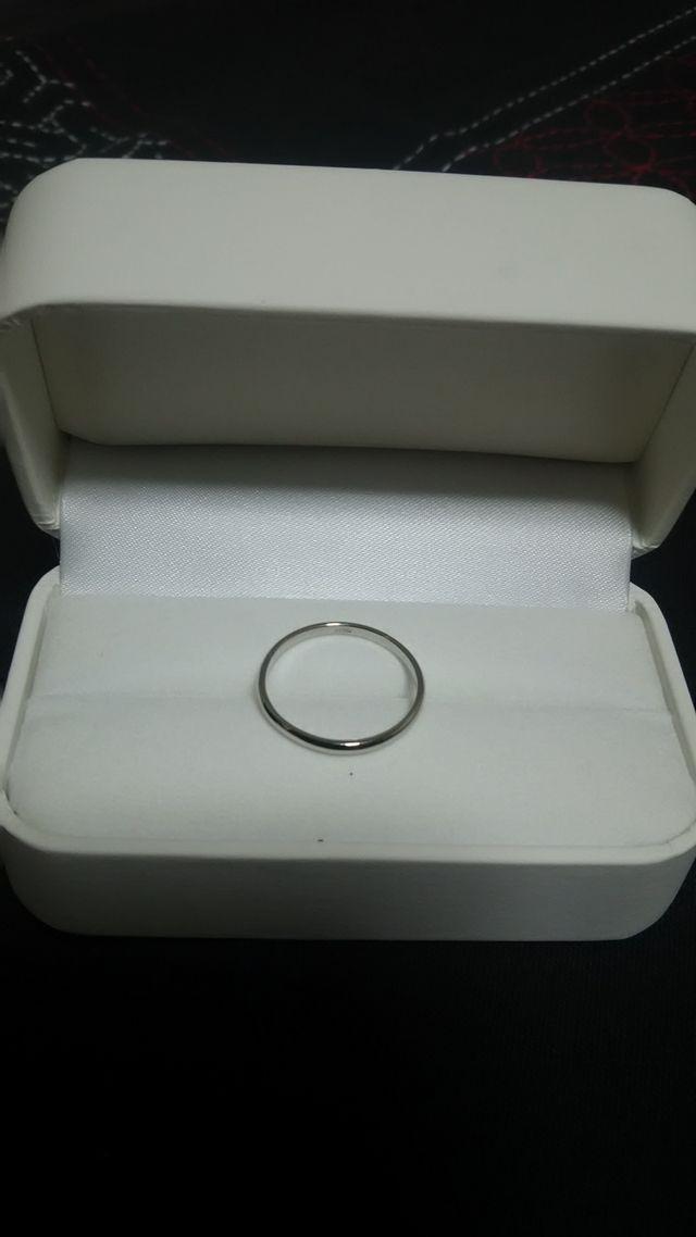 ミスプラチナで妻とペアで買った結婚指輪です。