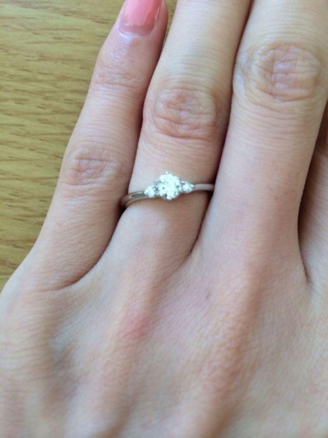 婚約指輪です。先日も無料でクリーニングして頂きました。