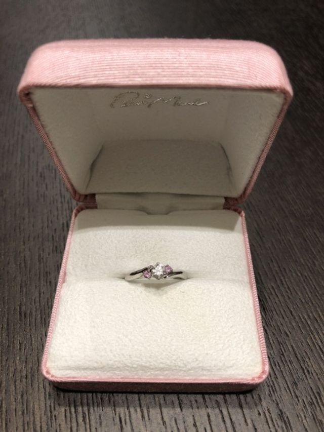 一番のお気に入りは薄ピンクのダイヤ