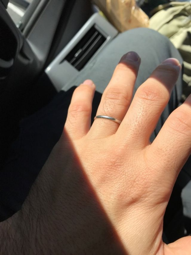 アイプリモのシンプルpt900結婚指輪です