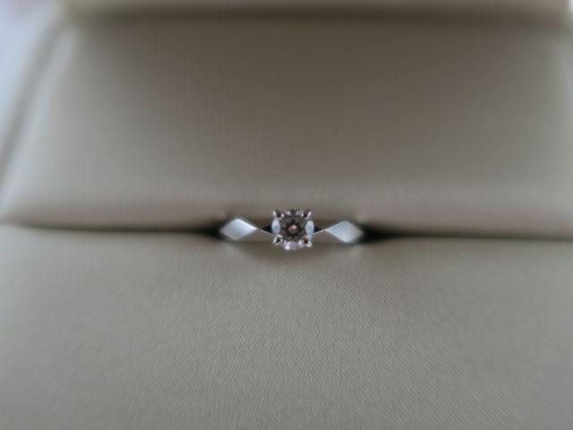 指輪。0.37ct、F-VVS2。