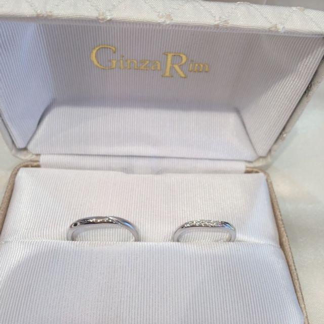 ダイヤ入り(1つだけピンクダイヤ)結婚指輪
