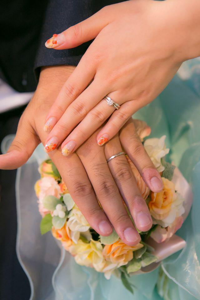 式当日、結婚指輪との重ね付け