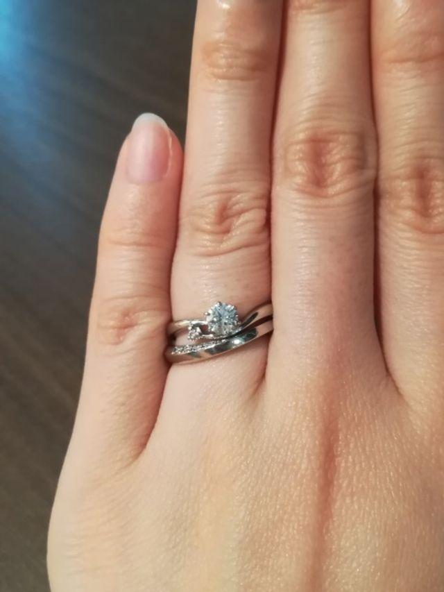 別ブランドの結婚指輪と重ね付け
