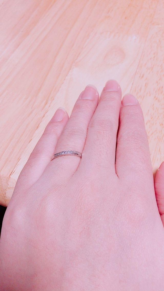 指が細く見えるやつを選びました!