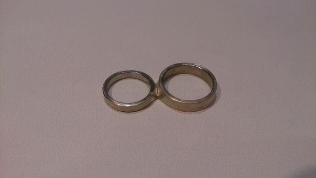 分かち合いの前。二つのリングが繋がってます。