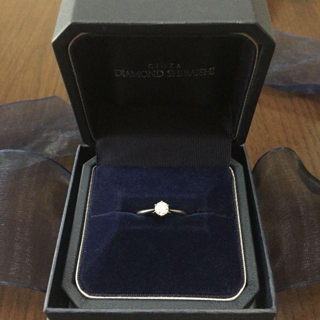 婚約指輪もいただきました。とても綺麗です。