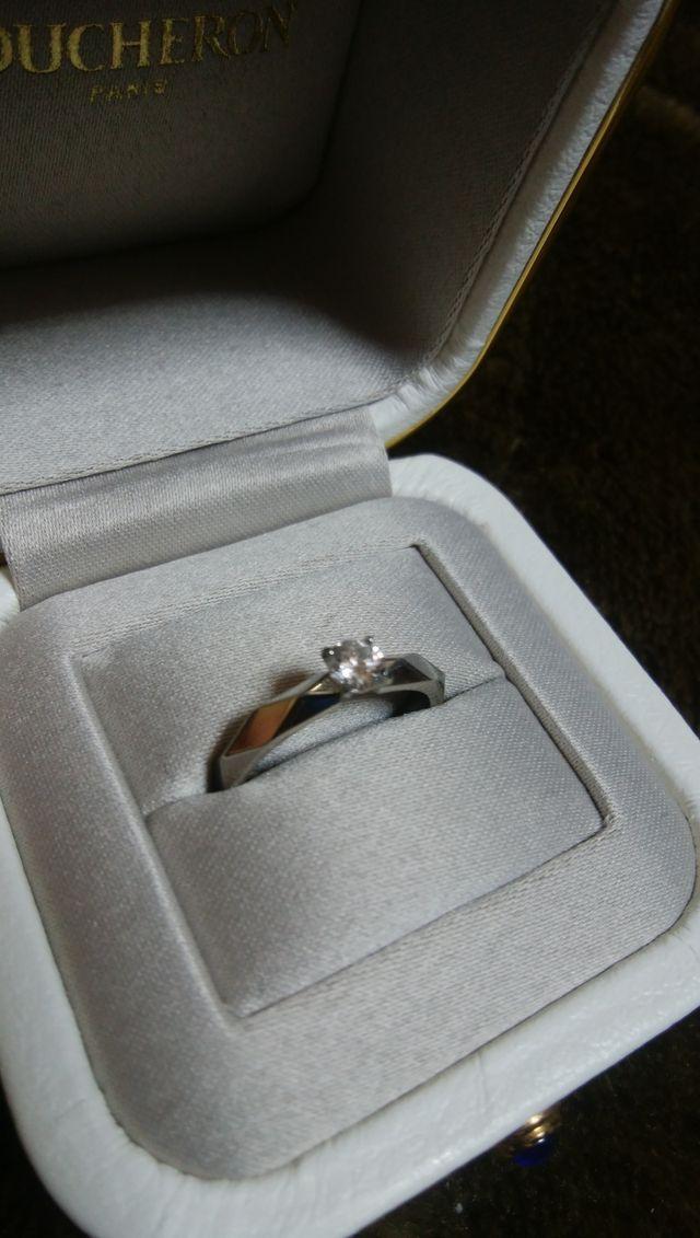 ブシュロンは指輪ケースも高級感があって素敵です。