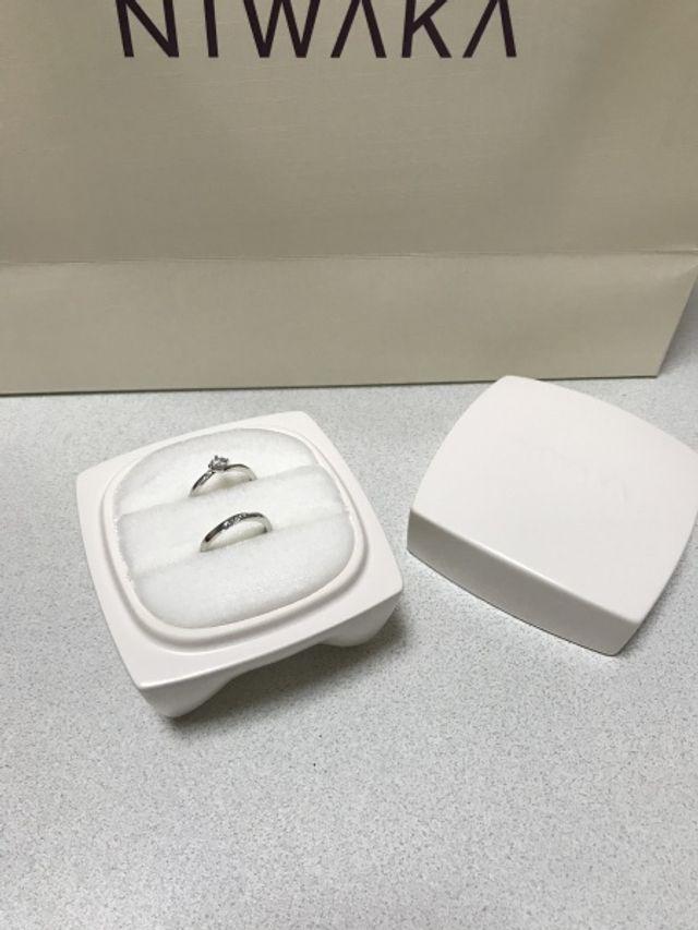 別居婚なので、もらった婚約指輪と結婚指輪を一緒に入れてます