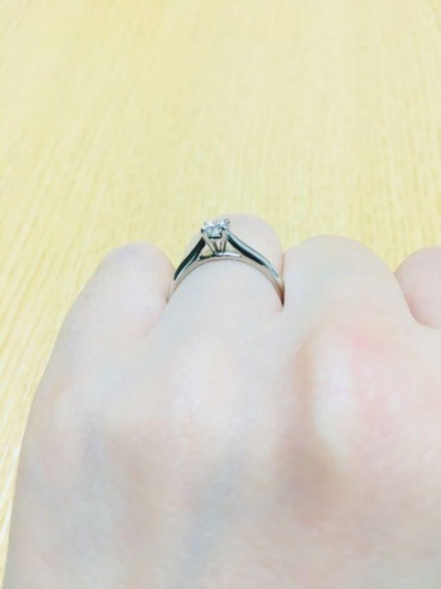 ダイヤを留める4本爪