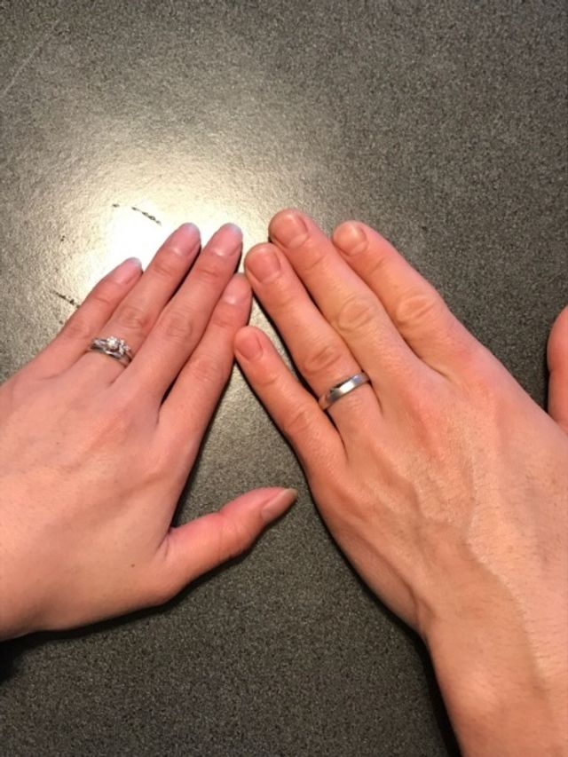 婚約指輪と婚約指輪を買いました