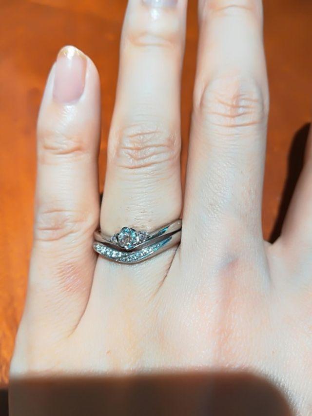 結婚指輪とセットにできるデザイン!