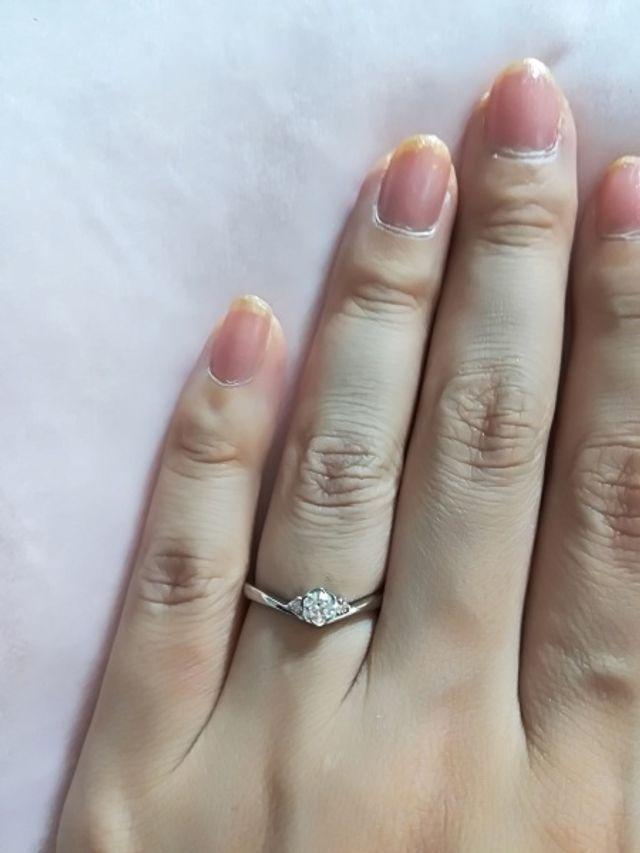 購入したフローラ♪両サイドにピンクダイヤがあります