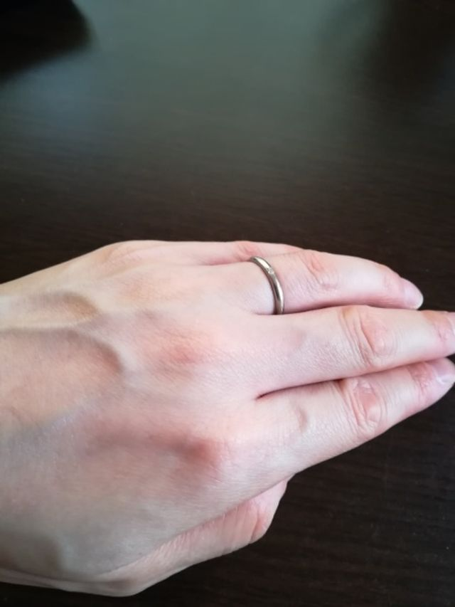 女性用の結婚指輪です。