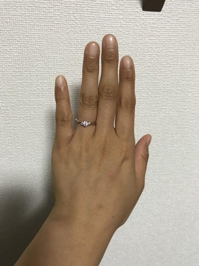 色黒の私でも指が綺麗に見えます。
