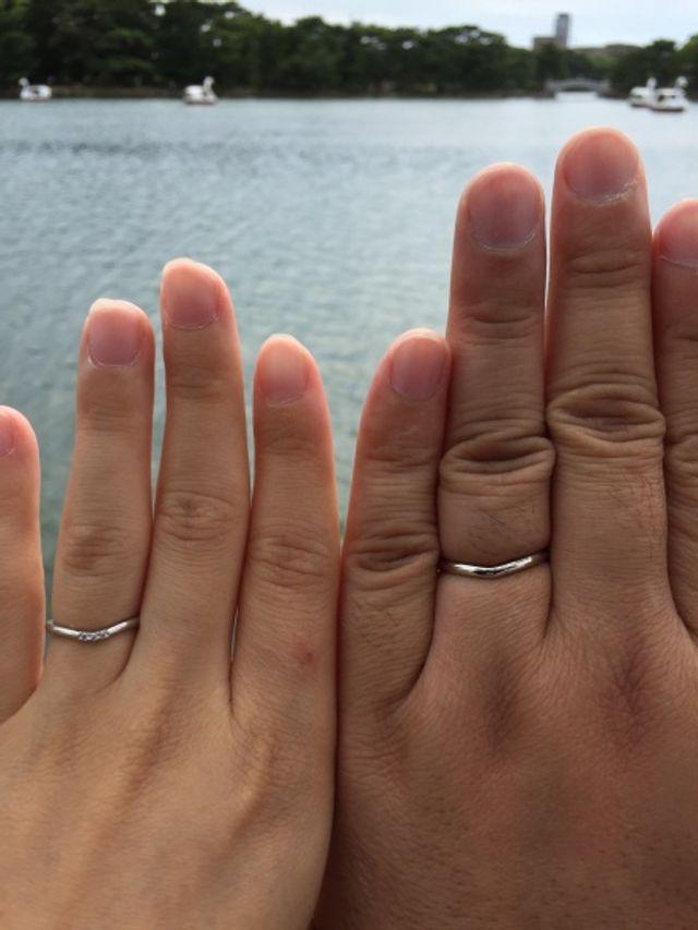 綺麗に磨いて頂いた結婚指輪をつけて、久しぶりの公園デート