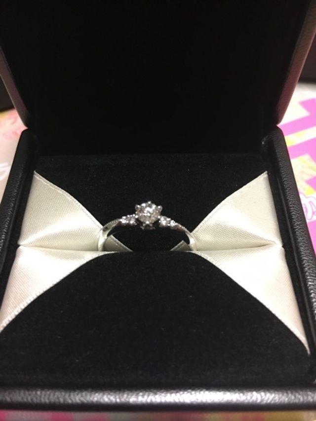 購入した婚約指輪です。