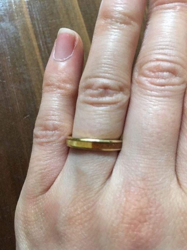 アクセサリーに疎い夫婦でも「これなら!」と思える木の指輪