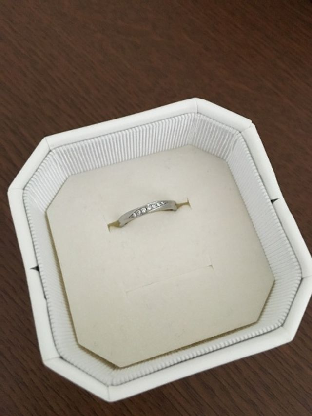 4°Cで購入した結婚指輪です。