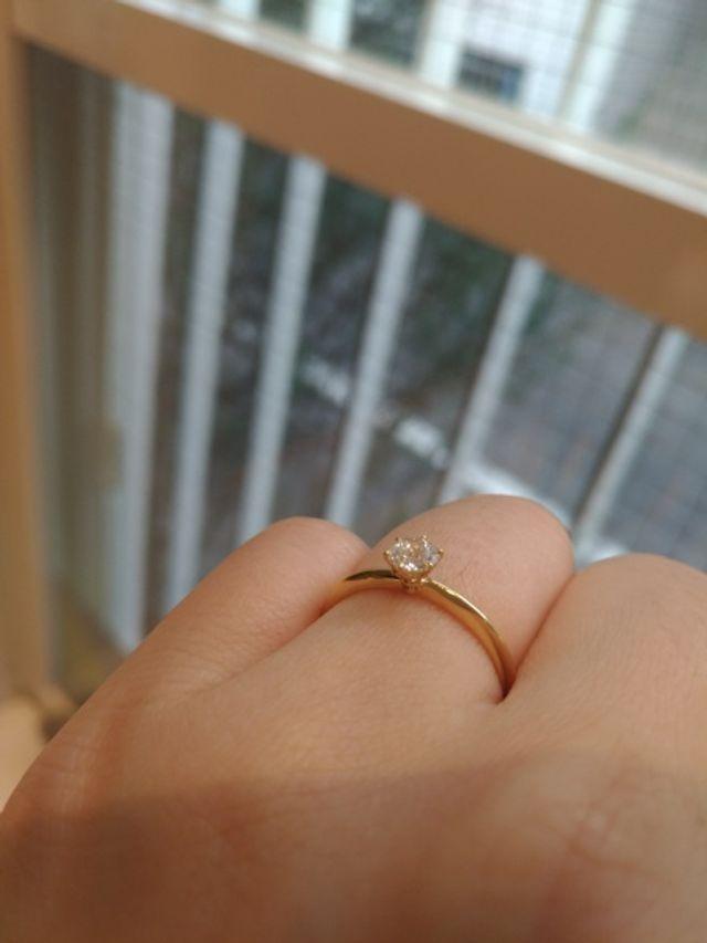 Goldのみ。似た形でGoldの台にptの指輪もありました