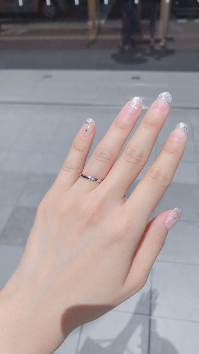 シンプルなダイヤが一個入った結婚指輪