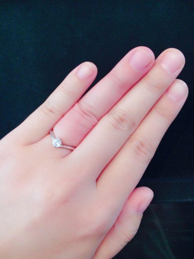 手がぷっくりしていて指が太いので、V字を試着しました