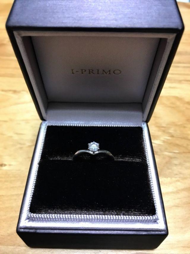 プロポーズフェア特典の指輪が綺麗に見える箱です。