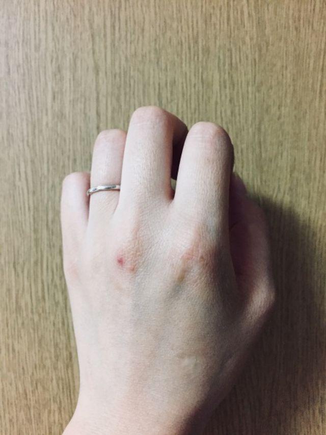 細めの指輪が良くてこれに決めました。