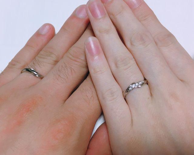 女性用の指輪はダイヤがとても綺麗