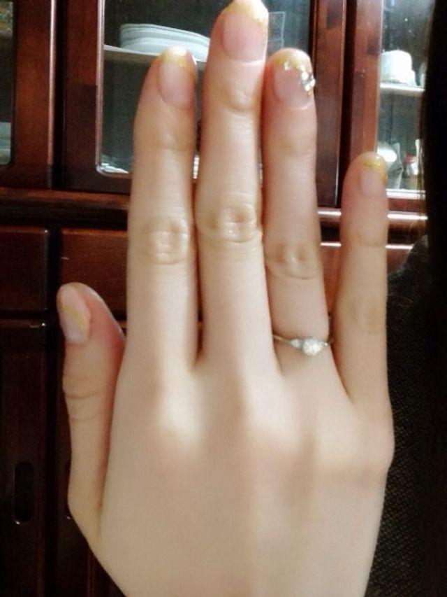 指輪が嬉しくて購入直後に人生初のネイルをしてもらいました
