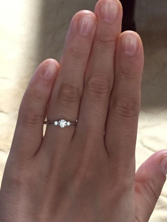 憧れの婚約指輪。