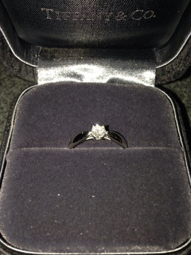 シンプルな一粒ダイヤの指輪です。