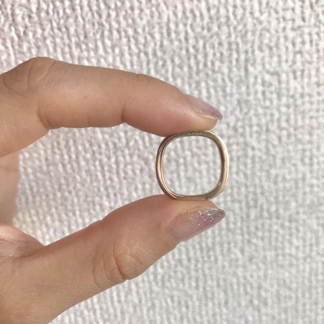 マルシカクという形を選びました。指にフィットします。