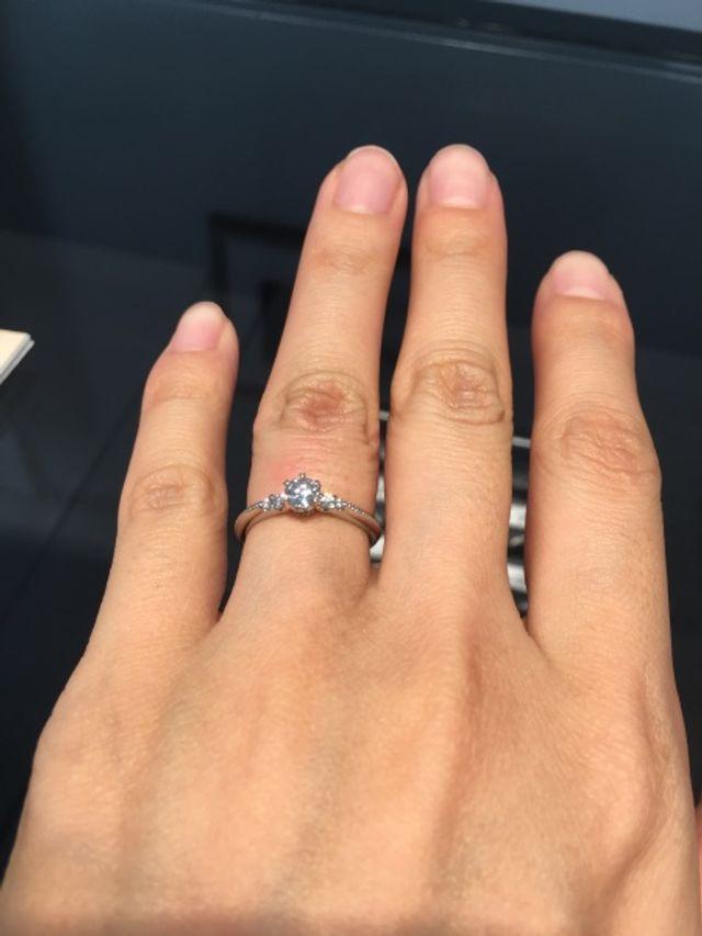 購入した婚約指輪です。coronet