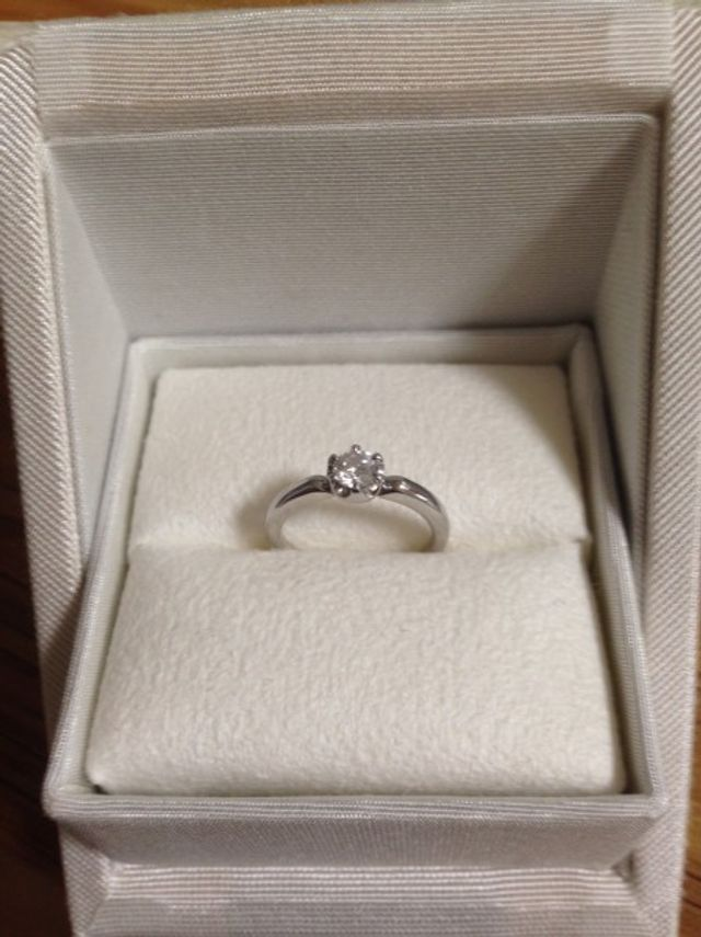 ダイヤが包まれてる感じがとっても可愛くて気に入っています!