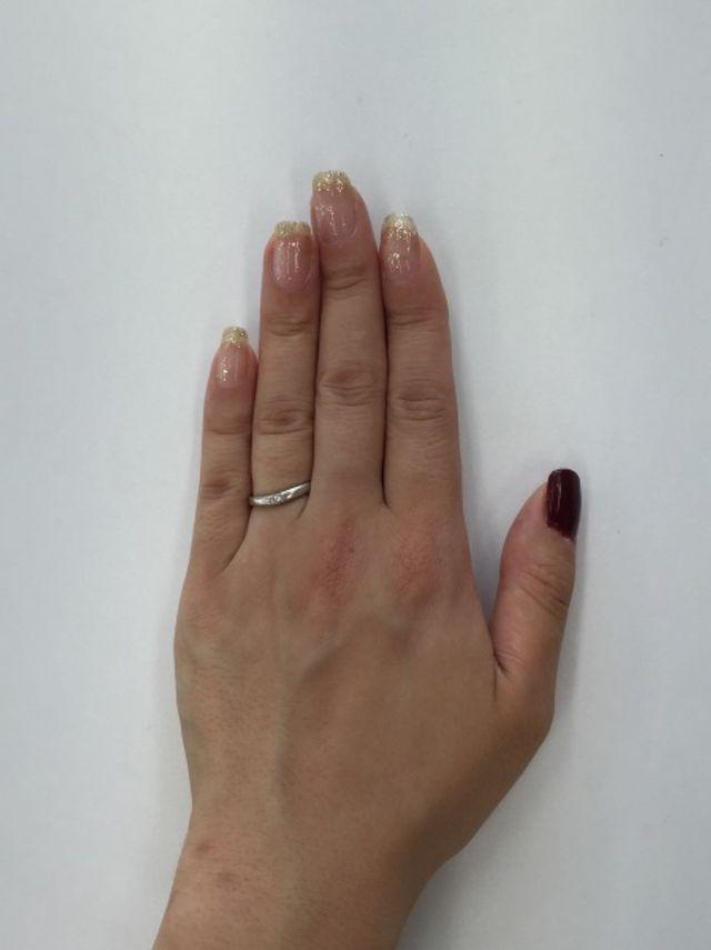 指が太いので、V字型で指が長く見える効果があると聞きました。
