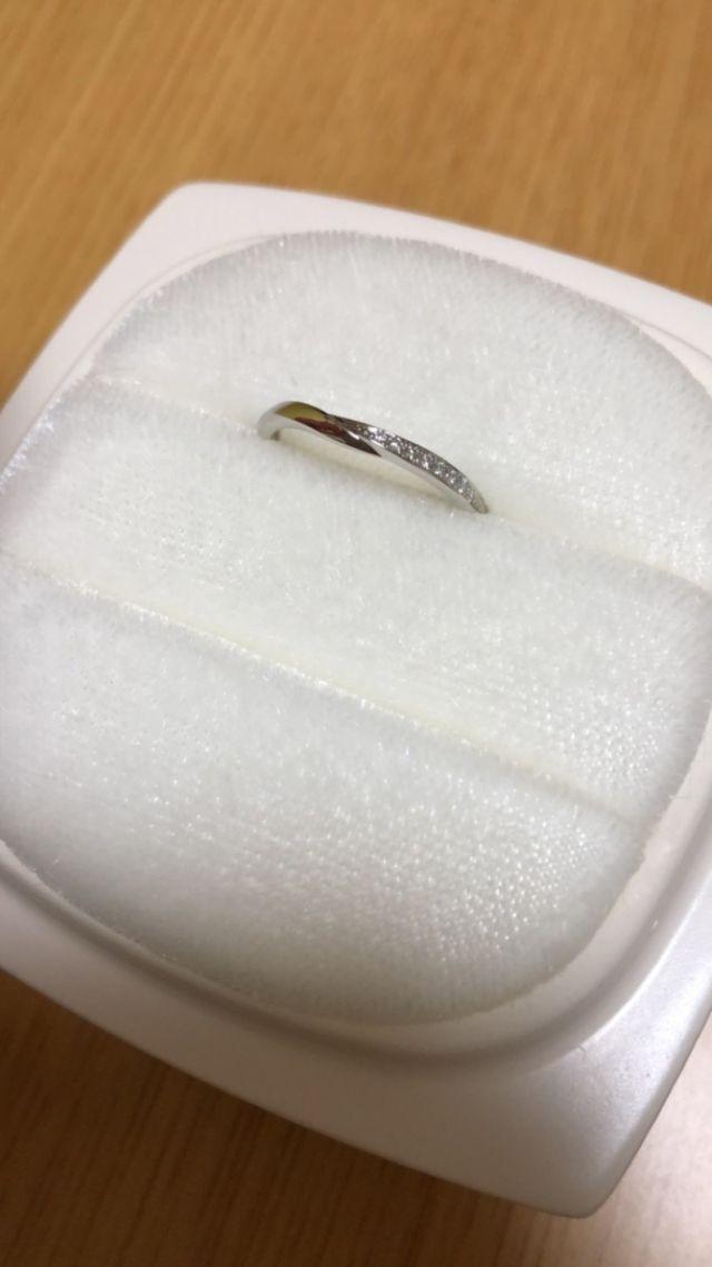 婚約指輪、せせらぎとのセットリングです。