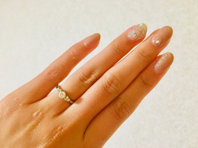 2人で選んだ婚約指輪♡7つのダイアがお気に入りポイント!