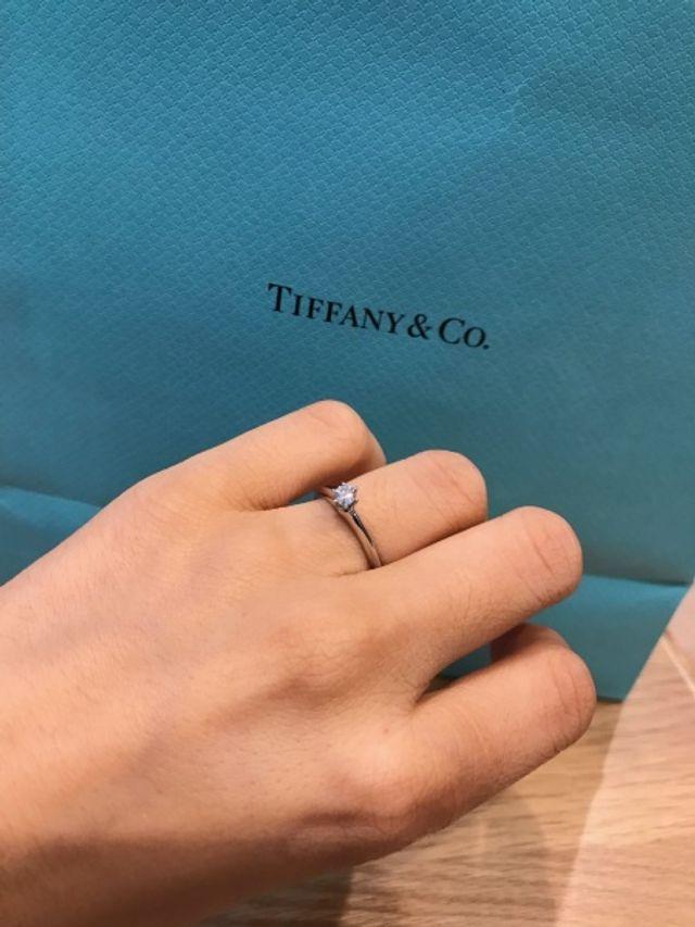 婚約指輪は彼からのサプライズでいただきました。
