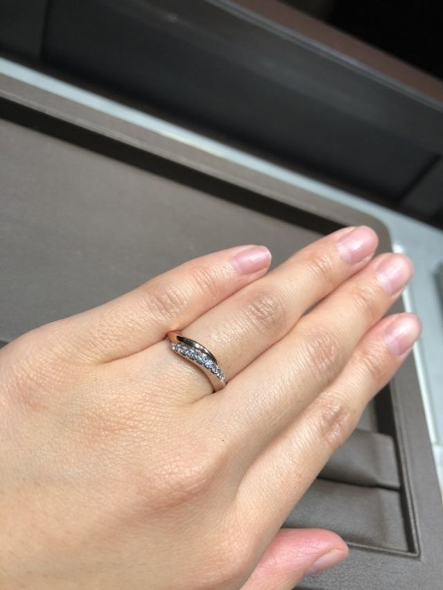 指のかたちに合わせて似合うものを選んでくれました。