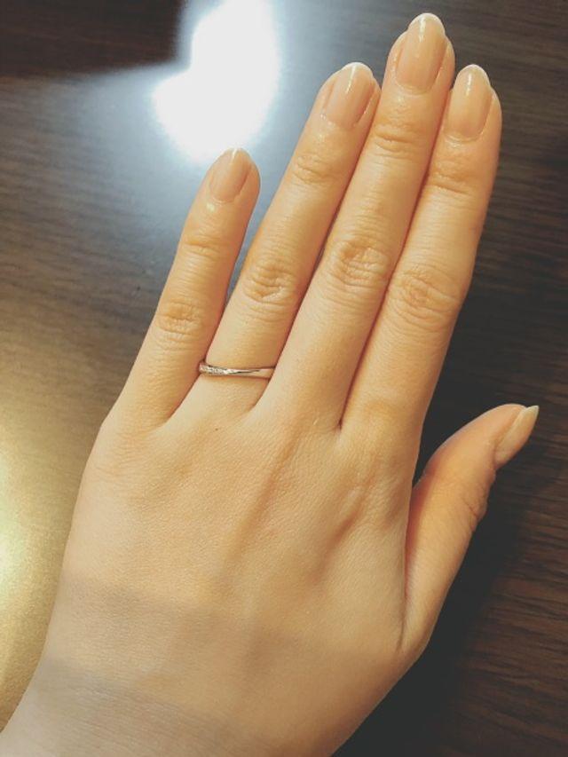 自然に指に馴染んでくれるようなつけ心地です