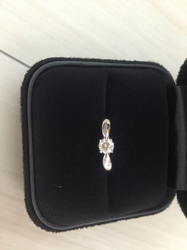ティファニーの婚約指輪です