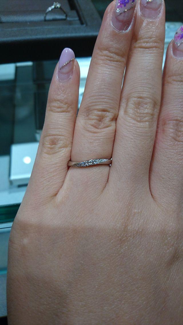 ダイヤモンドの輝きが綺麗です。