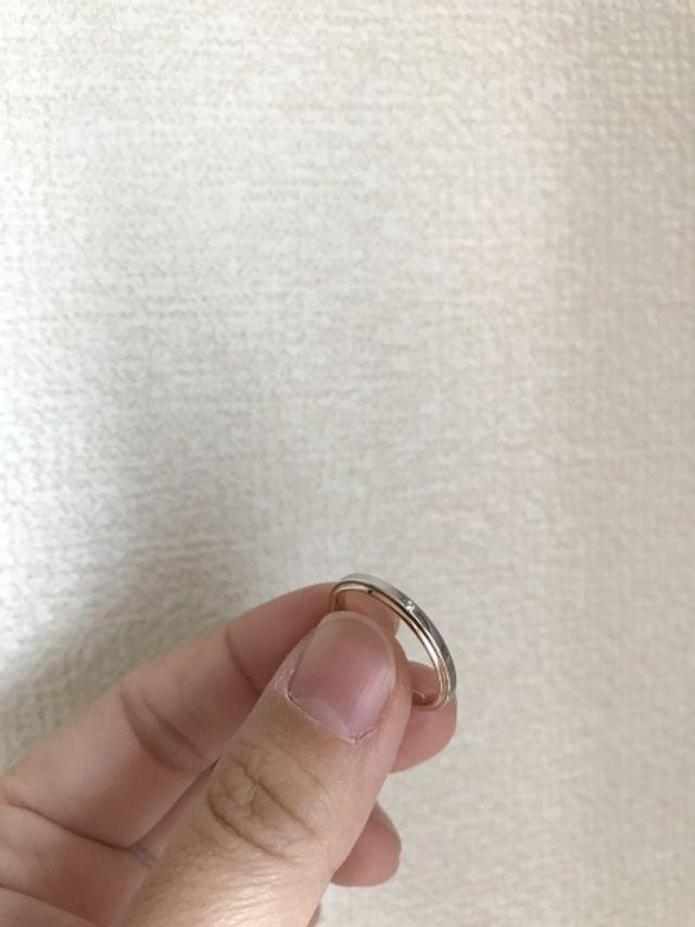 結婚指輪。プラチナとピンクゴールド。