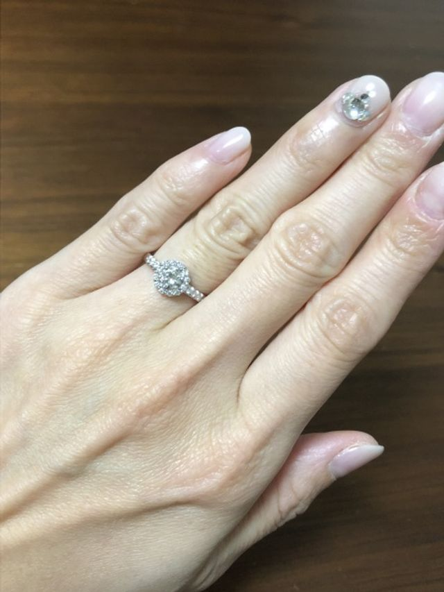 主人の母から貰った指輪のダイヤをリフォームして頂きました。