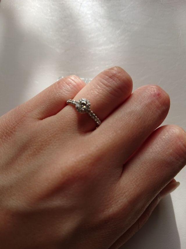 結婚指輪と重ね付けするととても素敵です!!